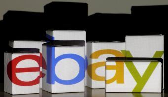 An eBay logo is projected onto white boxes in this illustration picture taken in Warsaw, January 21, 2014. REUTERS/Kacper Pempel/File Photo GLOBAL BUSINESS WEEK AHEAD PACKAGE SEARCH BUSINESS WEEK AHEAD 17 OCT FOR ALL IMAGES - S1BEUHKTLIAA FOTO: Kacper Pempel Reuters
