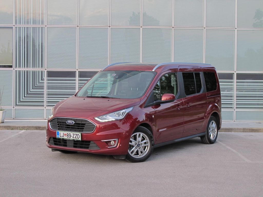 Ford grand tourneo connect: Prostor je njegov adut