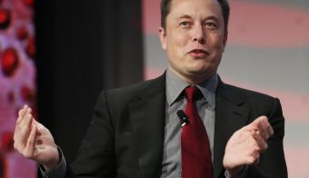 Tesla Motors CEO Elon Musk talks at the Automotive World News Congress at the Renaissance Center in Detroit, Michigan, January 13, 2015. REUTERS/Rebecca Cook (UNITED STATES - Tags: TRANSPORT BUSINESS) - RTR4LBZK FOTO: Š Rebecca Cook / Reuters Reuters
